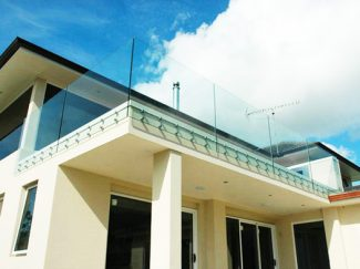 SHS Products - Glass Button Balustrade - Stainless Steel Button Clamps 3