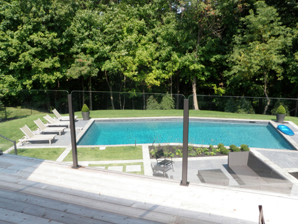 SHS Products - Glass Stainless Steel Professional Balustrade used for Poolside Fencing