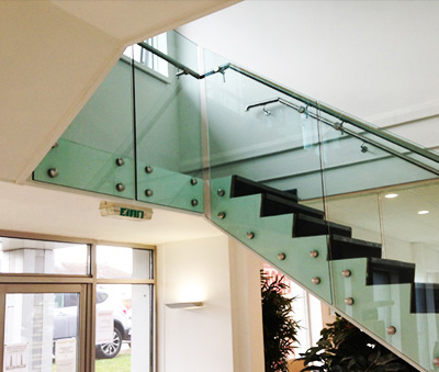 The Perfect Glass Balustrades for Your Office