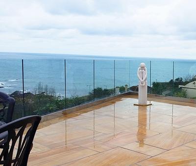 Summer 2019: Popular Garden & Pool Glass Balustrades